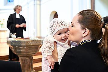 Taufe-Marlen-Greta-Schoendorf-Christuskirche-Salzburg-_DSC5988-by-FOTO-FLAUSEN